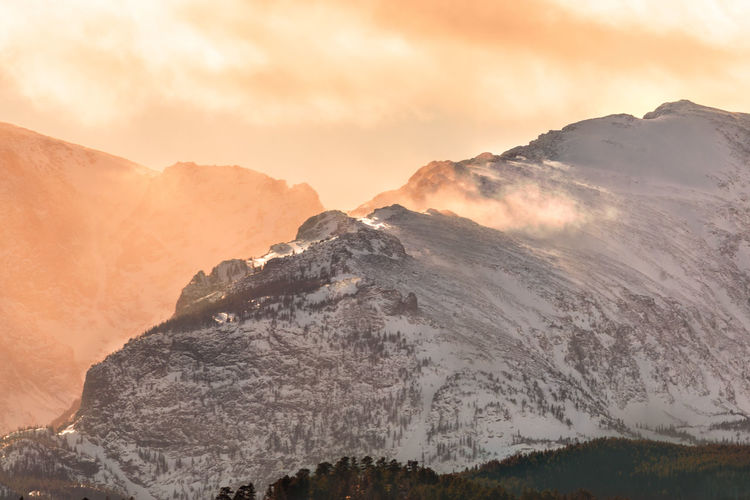 Mountain Scenics - Nature Beauty In Nature Sky Mountain Range Cloud - Sky Tranquil Scene Tranquility Sunset Non-urban Scene Environment Nature Landscape Idyllic No People Remote Physical Geography Majestic Geology Mountain Peak Outdoors Formation Snowcapped Mountain