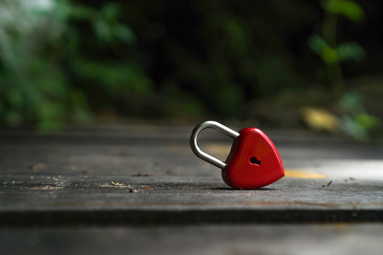 Red keys that are heart shaped, ideas, love, Valentine's Day. Abstract Background Beach Beautiful Beauty Bridge Celebration Closed Closeup Color Concept Coral Couple Day Decoration Design Fashion Flowers Happy Heart Holiday Isolated Key Living Lock Love Loyalty Message Metal Mothers Nature Padlock Paris Railing Red Romance Romantic Safety Security Shape Shaped Style Summer Sweetheart Symbol Valentine Valentines Vintage Wedding White Selective Focus No People Close-up Still Life Single Object Outdoors Heart Shape Wood - Material Representation Surface Level Toy