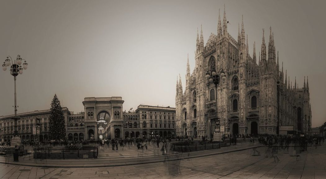 Milano Gotica Architecture Travel Destinations Built Structure History Sky Arts Culture And Entertainment Architectural Column Outdoors King - Royal Person No People Building Exterior Politics And Government City Ancient Civilization Tree Day