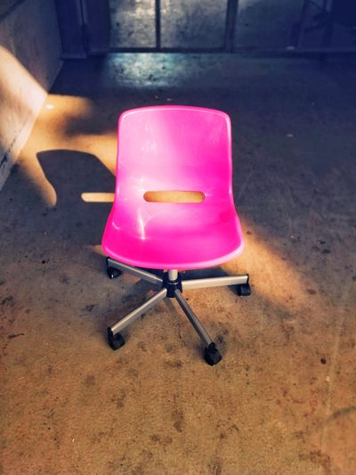 Pinky Seat Chair Chairswithstories Office Abandoned Waste Leipzig City Furniture Pink Plastic Leipzig Lonely Pink Color