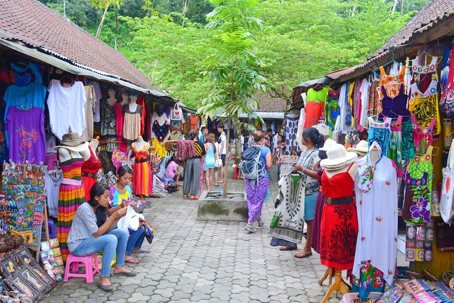Eye For Travel Adult Building Exterior Casual Clothing Crowd Day Full Length Large Group Of People Market Men Outdoors People Real People Retail  Sitting Traditional Clothing Travel Destinations Tree Women An Eye For Travel