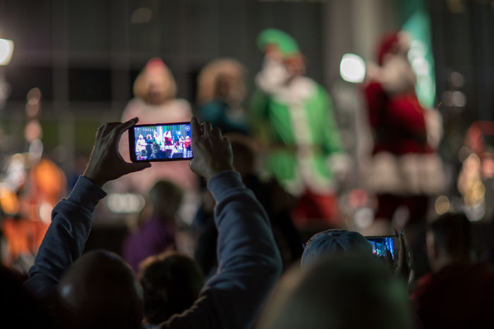Captured them capturing Santa. Christmas Daytona Beach Arts Culture And Entertainment Cellphone Communication Crowd Device Screen Enjoyment Event Florida Focus On Foreground Large Group Of People Lifestyles Mobile Phone Night Photographing Photography Themes Portable Information Device Real People Screen Smart Phone Technology Wireless Technology