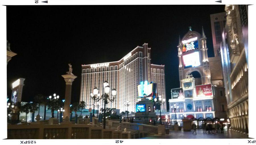 Miss that free night in Las Vegas. Las Vegas ♥ Ich war allein aber nicht allein. Für mich ist das am besten. Gute Reise... Traveling In USA