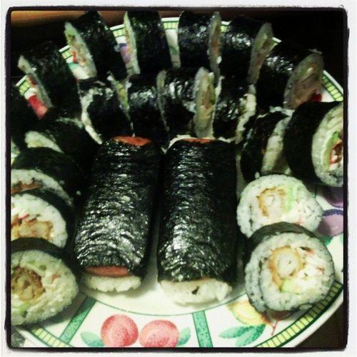 Nom nom nom! Sushi Calirolls Phillyroll Jellyrolls rollsfordays getinmabelly !
