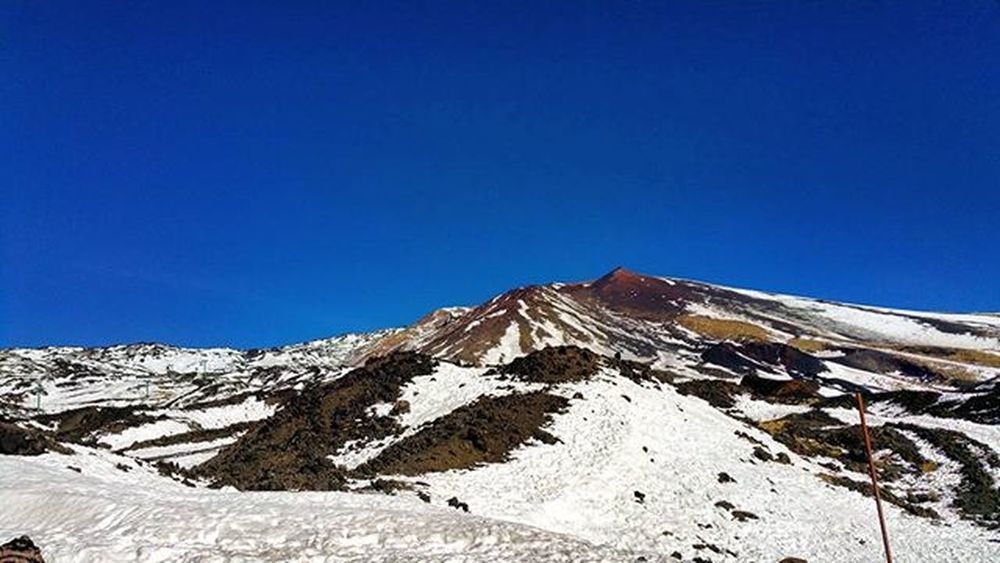 Mount Etna!!Sky Clouds Bluesky Winter Snow Instadaily Instamoment Mountain Volcano Picoftheday Instashot Awesome Colours White Juannuary 2016 Instanature Naturlovers Etna Sicily Italy Catania