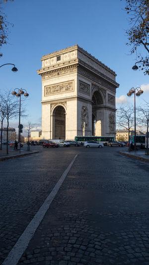 Arc De Triomphe De L'Étoile Arc De Triomphe Arch Architecture Building Exterior Built Structure History Monument Outdoors Tourism Travel Destinations Triumphal Arch