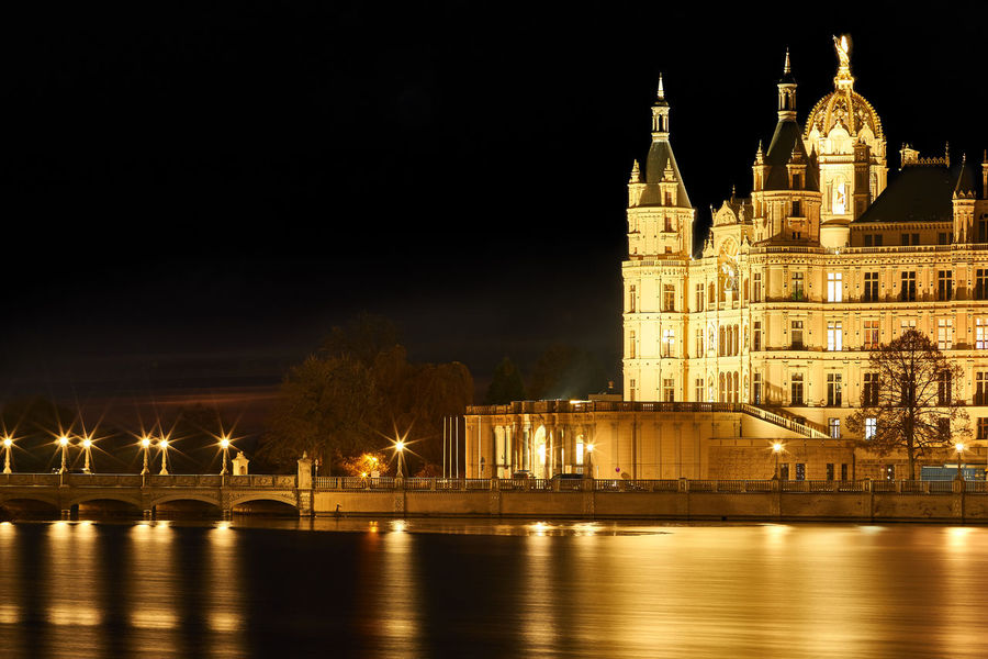 Schwerin Palace by Night Schloß Schwerin bei Nacht Weltkulturerbe Water Travel Destinations Tourism Schlossinsel Outdoors No People Night Long Exposure Night Photography Lake Illuminated Historical Castle On Island Built Structure Building Exterior Architecture World Heritage Set Of Two Schweriner Schloss Schwerin Castle Historical Sights Historical Building
