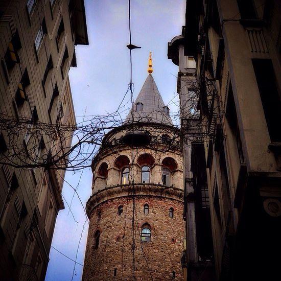 Istanbul Istanbuldayasam Galata Galatakulesi Galatatower Turkey Streetphotography Yaşamdankareler Hayat Hayatakarken