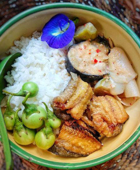 Thaifood Dried Fish  Violet Flower Thailand Thai Food Thai Curry Thai Style Thai Cuisine Thai Food Good Taste Thai Foods Foodphotography Thai Food Style Thai Food Decoration Food Styling Egg Yolk Bowl Close-up Food And Drink