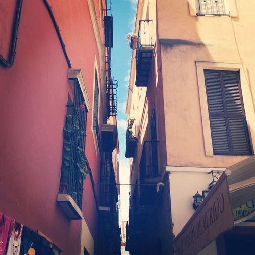 Милая улочка в Португалии. Португалия Летала первый раз Понравилось