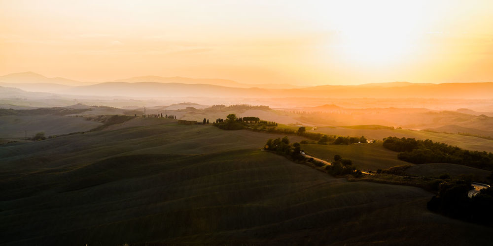Agriculture Beauty In Nature High Angle View Idyllic Italy Landscape Light And Shadow Micha D. Mountain Mountain Range MOVE1962 Nature Non-urban Scene Remote Rural Scene Scenics Sky Sun Sundown Sunlight Toscana Tranquil Scene Tranquility Tranquility Fresh On Market 2016 The Great Outdoors - 2018 EyeEm Awards