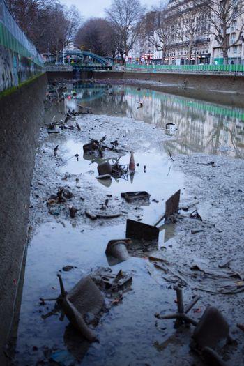 Canal Saint-Martin Chaises Vélib