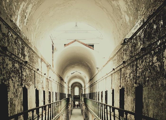 Eastern State Penitentiary Philadelphia Pennsylvania Indoors  Architecture Arch History Railing The Past Famous Place Prison Cellblock Ceiling
