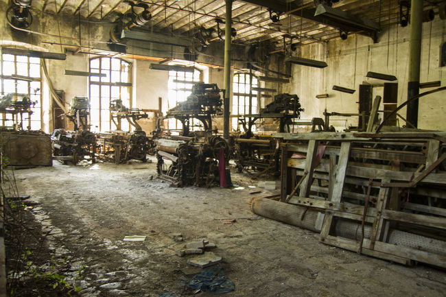 Indoors  Abandoned Workshop Built Structure Industry Day No People Factory Industrial Industry Lost Place Beauty Weaving Loom Old Buildings Weaving Utensils Weavingchair Weaving Machine Weaving Architecture Large Group Of Objects Weaving Craft