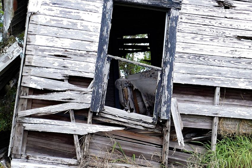 Who daydreamed here ? Architecture Built Structure Building Building Exterior No People Abandoned Day Wood - Material Old Window Weathered House