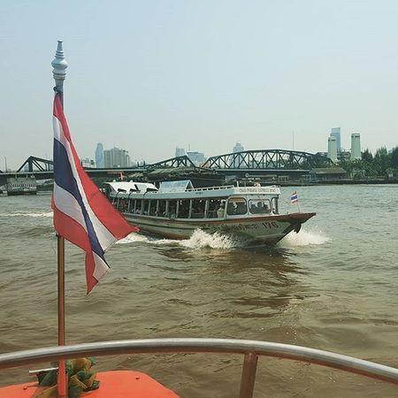 On the Chaophraya River in Bangkok Thailand . Travel Travelshots Everydayasia Everydaylife Explorebkk Peoplewatching Riverside