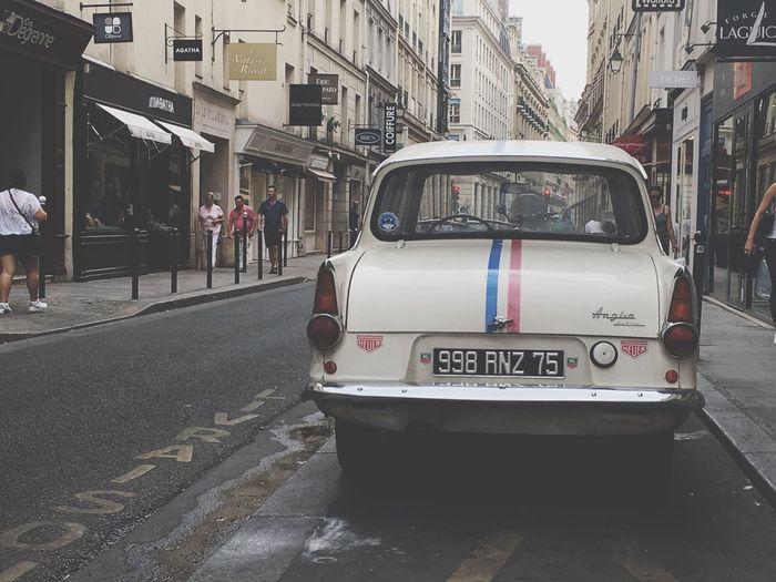 Amerenglish Lady in Paris... Transportation Mode Of Transport Car Oldcar Vintage Vintage Cars Ford Streetphotography Streetview Paris ❤ Paris Je T Aime Paris, France  Street ILoveMyCity