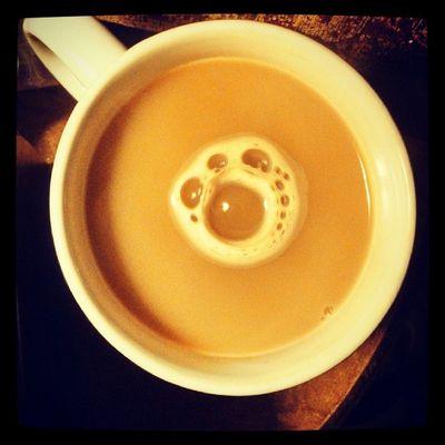 Looks like a paw print in my tea Bubbles Hottea Pawprint Cute