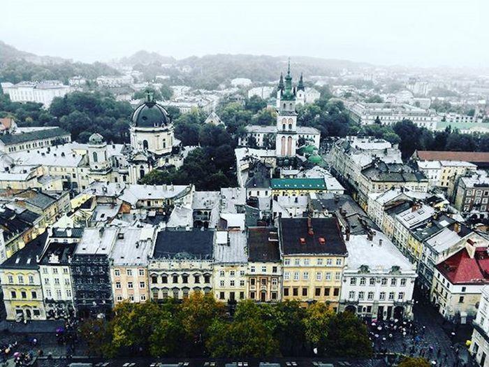 Throwback Lviv Lvivgram VSCO Vscocam Vscoua Vscogrid Vscogood Vscophile Vscogram Picoftheday Square View Building Misto_leva Iglviv