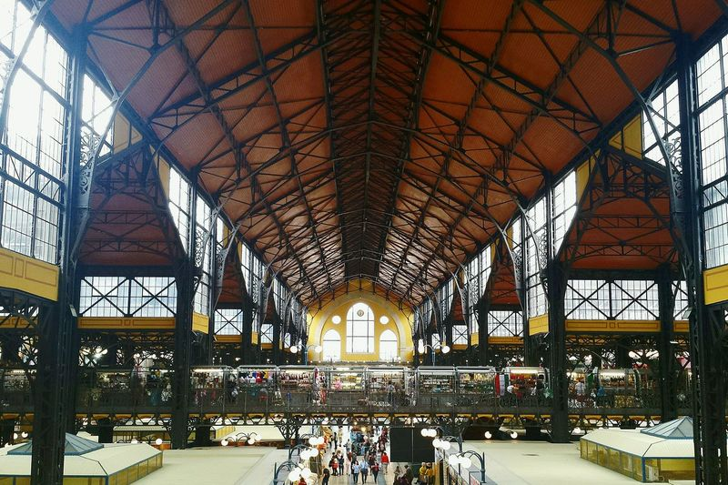 Market Hall Budapest, Hungary Rooftop Scenery Large Market Hall Impressive View Impressive Sight In Budapest Sightseeing Spot Sightseeing In Budapest From Above  Market Stalls Ladyphotographerofthemonth Beliebtes Motiv Popular Place Popular Photo Spot Huge Roof Construction Interesting Objects Interesting Architecture Interesting Places Ancient Architecture