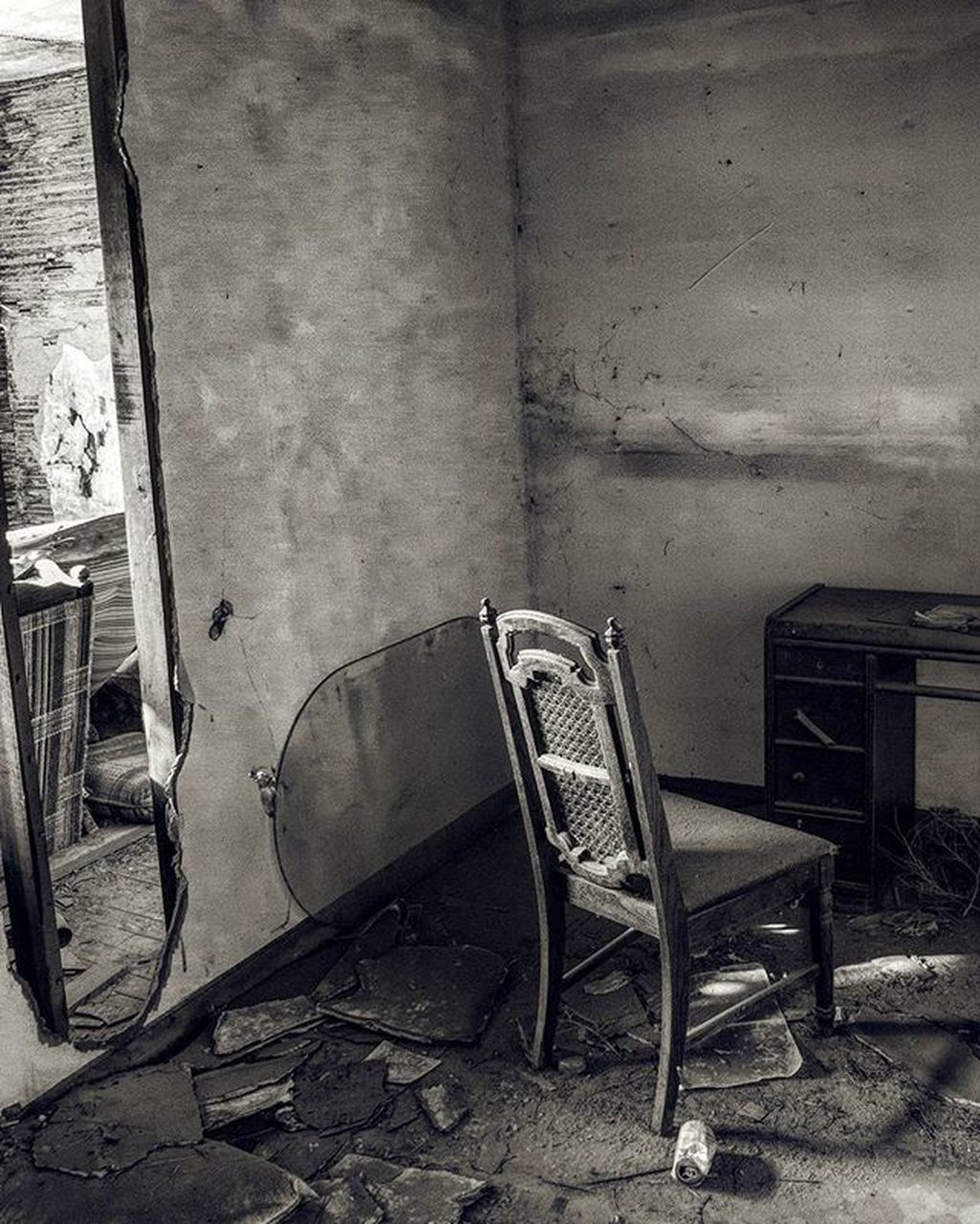 chair, abandoned, absence, empty, no people, indoors, damaged, run-down, bad condition, seat, folding chair, architecture, built structure, day