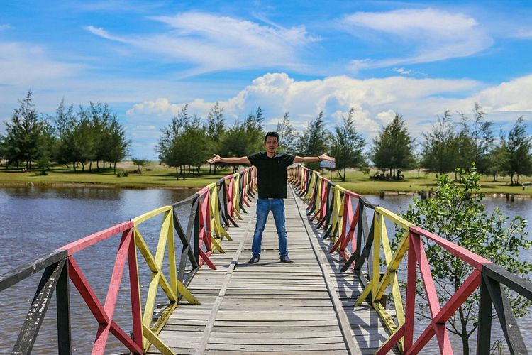 The colorful bridge... One Person Outdoors Live For The Story The Great Outdoors - 2017 EyeEm Awards Horizon Over Water Summer Cloud - Sky Landscape Photography Wonderful Indonesia Lost In The Landscape