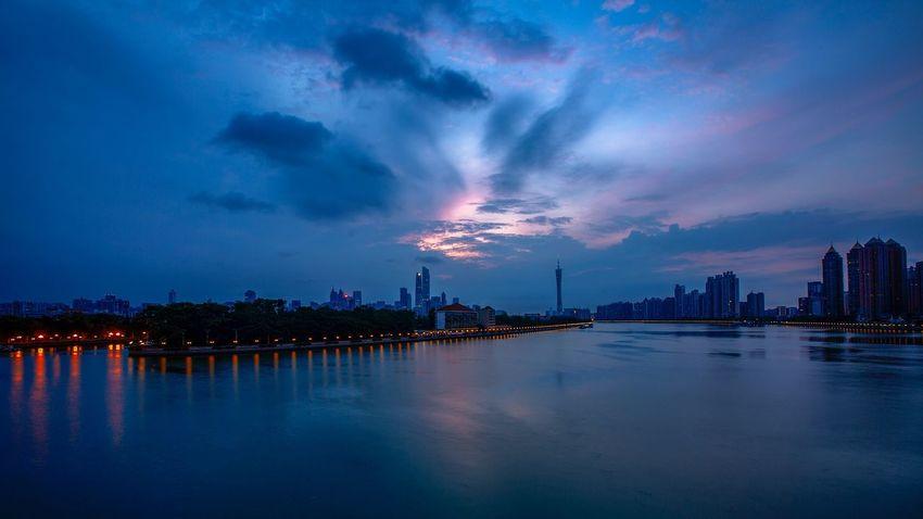 好心情(1) EyeEm Selects Night City Sky Water Architecture Built Structure