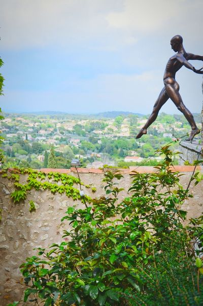 Don't jump! Art Enjoying The View Urban Art Urbanphotography Open Edit Hanging Out Visiting [ merci pour la sélection la provinciale 😘 ]