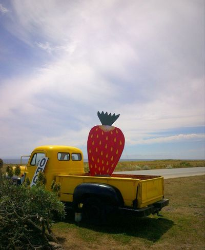 Backroads California California Dreaming Classic Truck Cloud - Sky Folk Art  Fruit Fruit Stand Giant Fruit Juicy Middle Of Nowhere Outdoors Road Trip Roadside America Stopping Time Strawberry Strawberry Fields Tranquil Scene Yummy