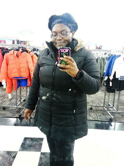 I found the perfect winter/cold weather coat for only $40! The recent change of unusually chilly fall weather forced me to go coat shopping sooner. Great for me b/c there was a lot to choose from and I saved $$$ 😁🙌🍃🍂🍁❄ Winter Coat Burlingtoncoatfactory I Look Good Plus Size Beauty  Coat Shopping Michigan Weather Michigan Fall