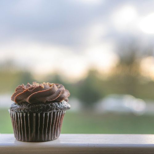 It makes you smile😀. Chocolate Cup Cake Birthday Cupcakesandwich ? Smooth Sweetzbakery Deliciousness Ztprod