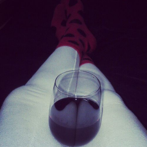 Chillin Wine_in_bed