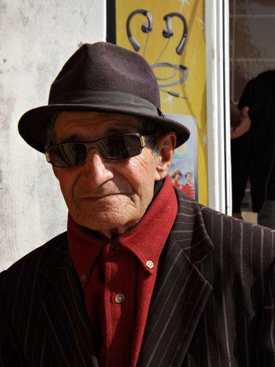 Lunette Veste Chemise Close-up Day Grand Pere Hat Headshot Lifestyles Marocain One Person Oreille Outdoors People Raillure Real People Senior Adult Senior Men Vieux
