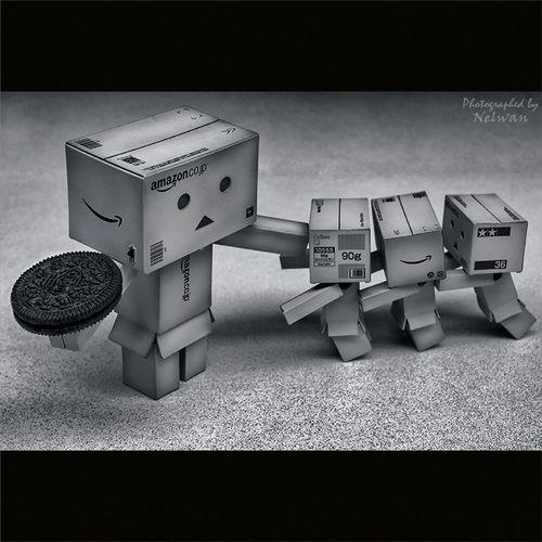 """Give us back our Oreo"" Toypops2 Toyelites ToygraphyID Toyslagram Danbo Danboards Revoltech Toyrevolution Toycrewbuddies Toy_union Tcb_krispykremesforall"