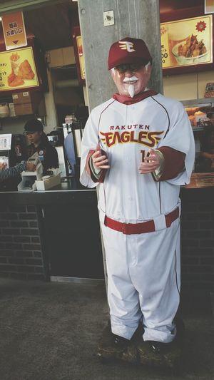 Short legs ( ´艸`) at KFC Front View Person View Enjoyment Taking Photos Enjoying Life Relaxing Baseball Game Smile :) Fun Hanging Out Food And Drink Hi!