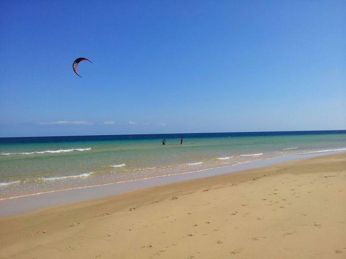 Kitesurfing en la Playa de Sotavento (Fuerteventura, Spain) Fuerteventura Sea Beach Kitesurfing