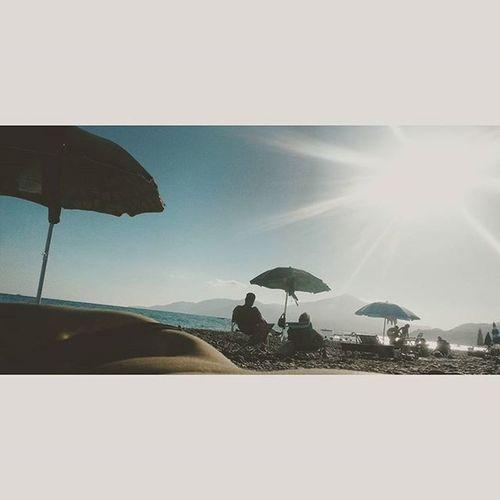 Prima che il vento si porti via tutto e che settembre ci porti una strana felicità Respiraquestalibertà Relax Beach Summer2015 hotmecolorssea music