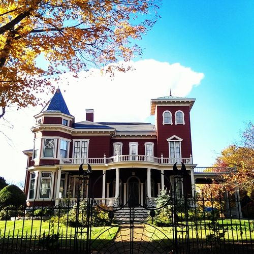 Stephen King's house in Bangor Maine Architecture