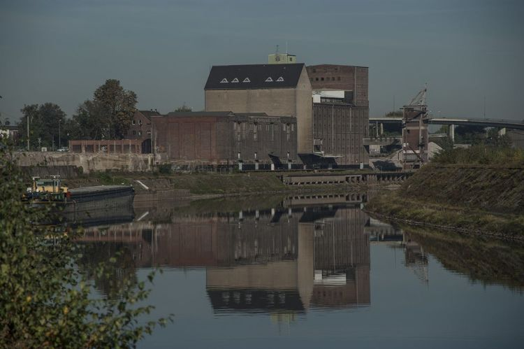 Erft Hafen Harbour Inland Port Lagerhaus Neuss Storehouse