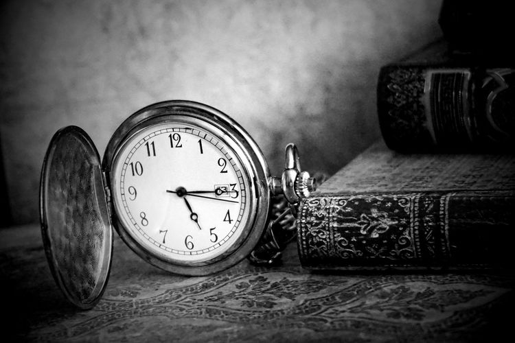 Time Clock Indoors  No People Table Number Close-up Watch Still Life Instrument Of Time Antique Publication Accuracy Wall - Building Feature Focus On Foreground Circle Book Design Technology Pocket Watch