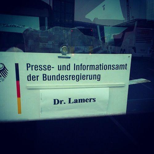 Unser Bus zum Hotel. Presseamt Informationsamt Bundesregierung Drlamers Berlin Bildungsfahrt