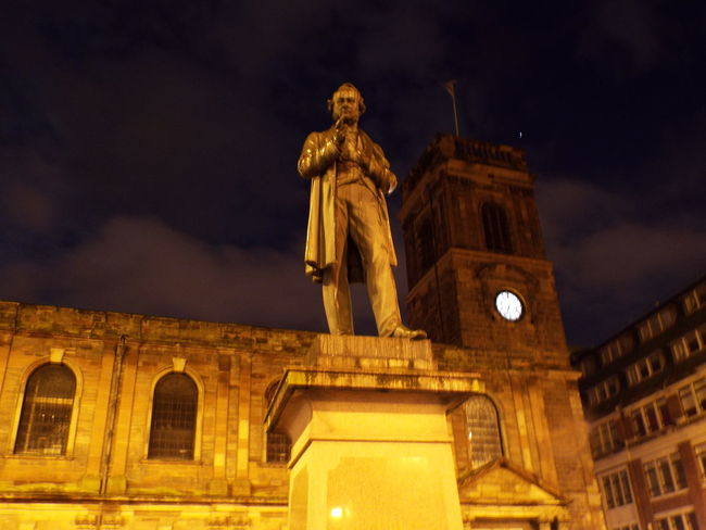 Statue Church Old Architecture Manchester City Centre Night Night Time Night View City At Night Cities At Night Night Sky