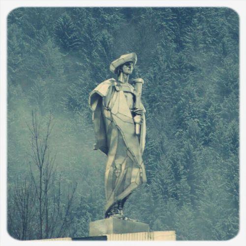Jánošík's statue....... ?