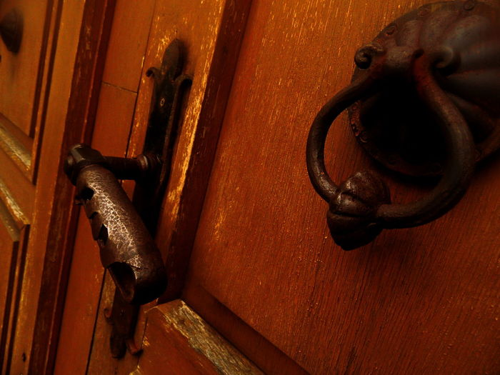 #knockknock #sun #door #vintage Close-up Metallic Old-fashioned Part Of Rusty Wood