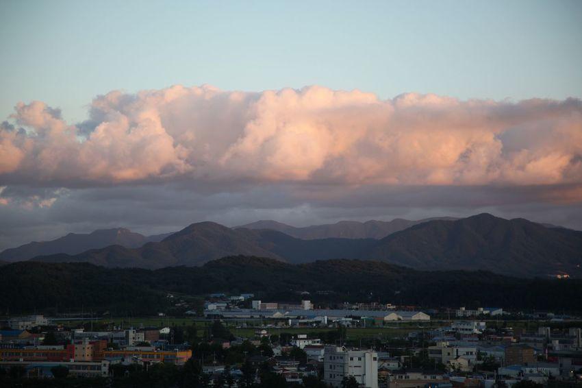 영천예술창작스튜디오 옥상에서 Cloud - Sky Mountain Building Exterior Built Structure Architecture Mountain Range House Sky Sunset