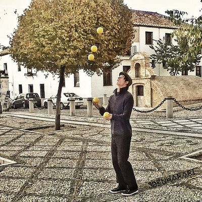A man can never get enough playing with his balls. Instagood Tweegram Instamood Instagramhub picoftheday photooftheday instadaily webstagram instago insta_mazing instahub bestoftheday statigram bepopular voyagerofworlds instachoice igdaily instacool instagram followme shutter_bugster spain granada park juggling man city square orange balls