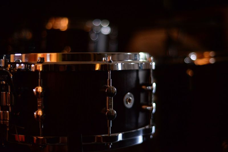 Music Arts Culture And Entertainment Musical Instrument Snare Drum Drum Kit Musical Equipment Close-up Focus On Foreground The Week On Eyem Taking Pictures Wood EyeEm Best Shots Things I Like Uruguay EyeEm Hello World Check This Out Full Frame EyeEm Gallery Iron - Metal Defocused No People Indoors  Wood - Material Rythm