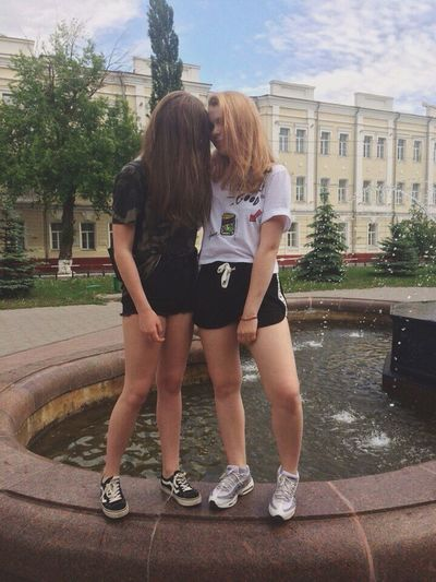 Day People Bestfriend Two People Outdoors Young Adult City Friendship Young Women Building Exterior Teenager Togetherness Teenagers Only Built Structure Standing Water Architecture Full Length Adult