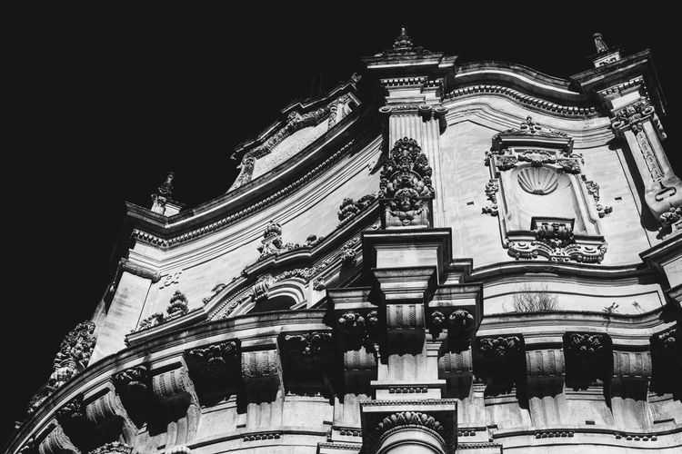 Architectural Detail Architecture Barocco Barocco Leccese Baroccoarhicecture Blackandwhite Photography Building Exterior Built Structure City Illuminated Low Angle View Night Nikon D5200 Nikonphotography No People Outdoors Sky Travel Destinations Traveling Home For The Holidays Miles Away The Architect - 2017 EyeEm Awards EyeEmNewHere