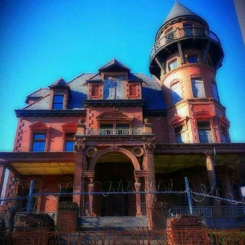 Obsessed by a fairy tale, we spend our lives searching for a magic door and a lost kingdom of peace - Eugene O'Neill Urban Decay Abandoned Building Abandoned House Awesome Architecture Abandoned America Partnersingrime Filthyfeeds #filthyfamily  Filthyfemales Lousyfeeds Boarded Up Filthy Pinks Abandoned